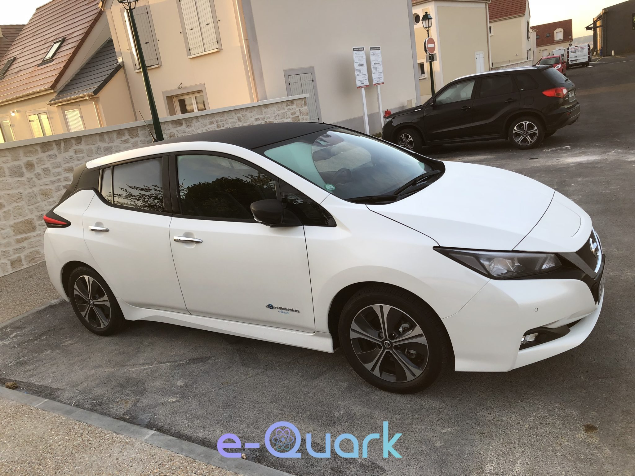 location nissan leaf 2018 tekna e quark. Black Bedroom Furniture Sets. Home Design Ideas